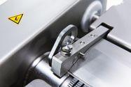 Mudel SB46 Naha ja sidekoe eemaldamise masin
